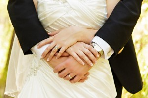 bride-groom-hands