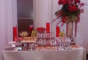 wedding-fruit and pastry mix table